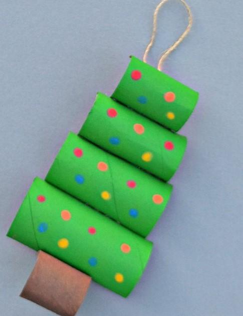 Arbol de navidad decorado originales tendencias 2018 - Rollos de papel higienico decorados ...