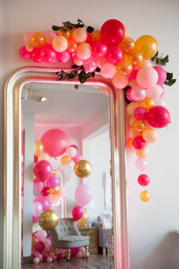 Hermosa Decoración con globos al estilo primaveral