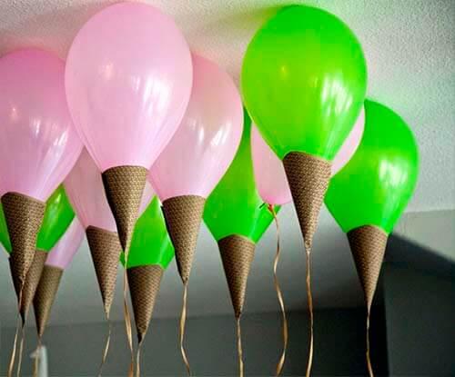 Colorida Decoración con globos con forma de helados