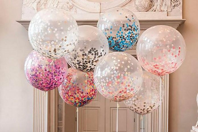 Original Decoración con globos transparentes llenos de confeti