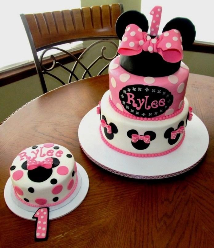 Tortas de Minnie con orejas grandes