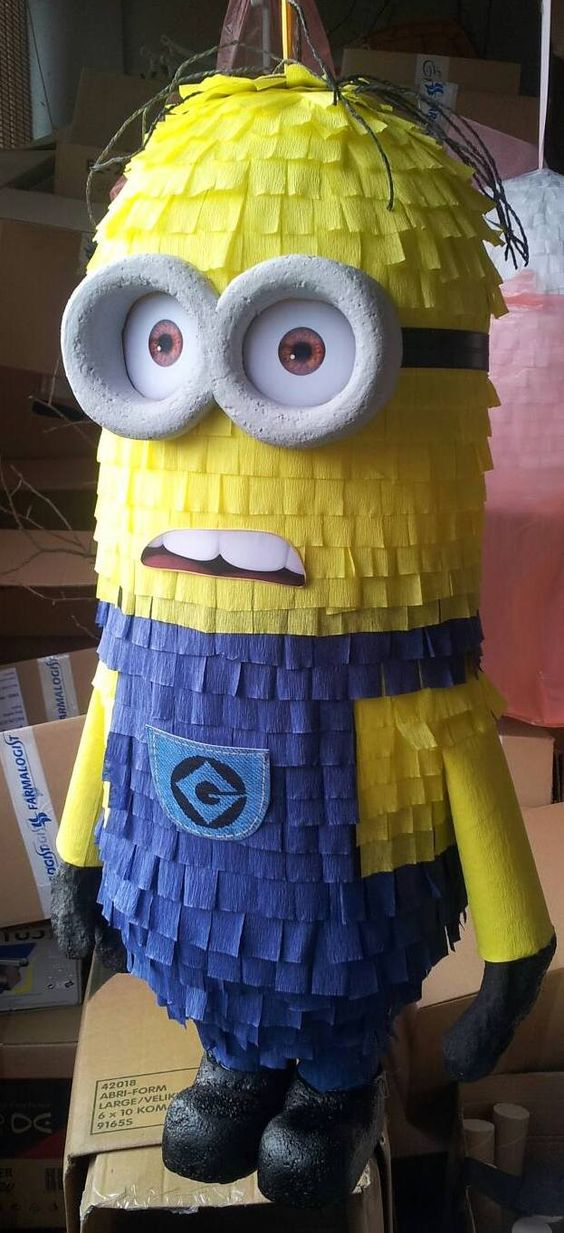 piñata de minion