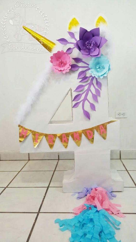 piñata de unicornio con numero