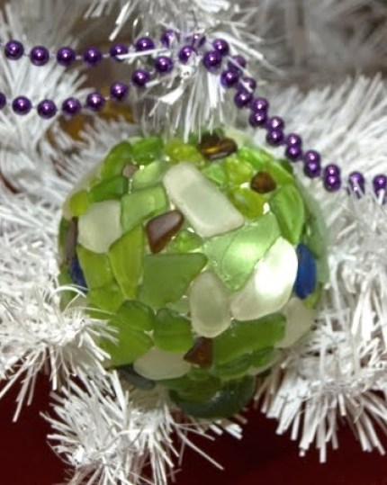 bola de navidad con cristal marino