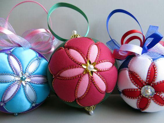 bolas de adorno navideno decoradas