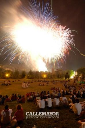 06-08-06-fiestas-de-estella-calle-mayor-comunicacion-y-publicidad (93)