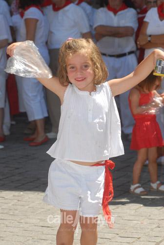 03-08-08-fiestas-de-estella-calle-mayor-comunicacion-y-publicidad (25)