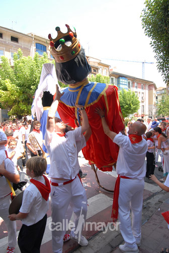 06-08-09-fiestas-de-estella-calle-mayor-comunicacion-y-publicidad (94)