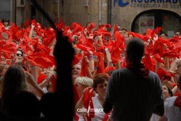 11-08-06 - fiestas de estella - calle mayor comunicación y publicidad (23)