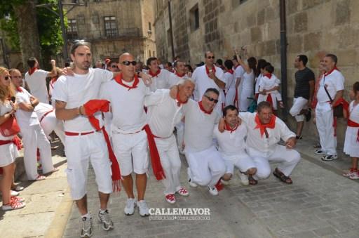 12-08-05 - fiestas de estella - calle mayor comunicacion y publicidad (50)