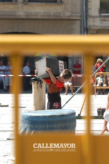12-08-08 - fiestas de estella - calle mayor comunicacion y publicidad (33)