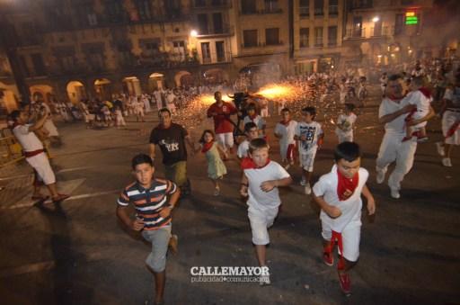 12-08-08 - fiestas de estella - calle mayor comunicacion y publicidad (81)