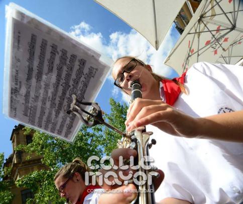 14-08-03-fiestas-de-estella-calle-mayor-comunicacion-y-publicidad-041