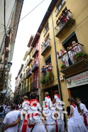 14-08-03-fiestas-de-estella-calle-mayor-comunicacion-y-publicidad-080