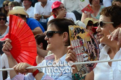 14-08-03-fiestas-de-estella-calle-mayor-comunicacion-y-publicidad-094