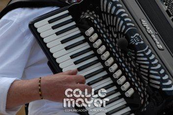 14-08-04-fiestas-de-estella-calle-mayor-comunicacion-y-publicidad-013