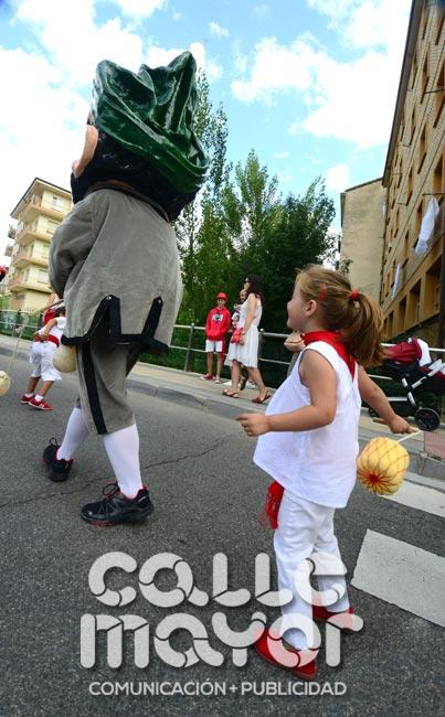 14-08-04-fiestas-de-estella-calle-mayor-comunicacion-y-publicidad-067