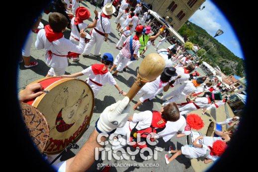 14-08-04-fiestas-de-estella-calle-mayor-comunicacion-y-publicidad-087