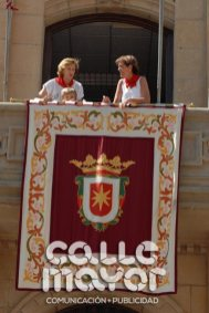 14-08-05-fiestas-de-estella-calle-mayor-comunicacion-y-publicidad-025