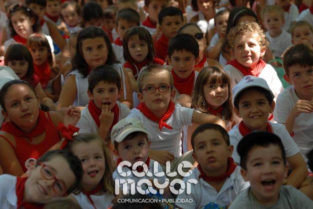 14-08-05-fiestas-de-estella-calle-mayor-comunicacion-y-publicidad-037