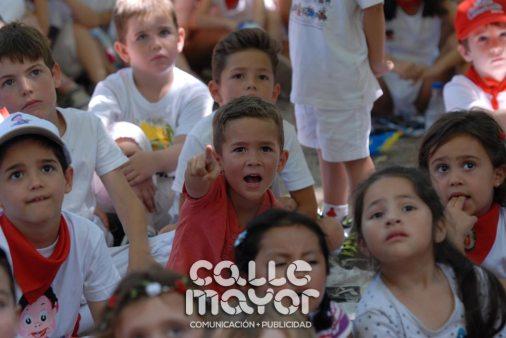 14-08-05-fiestas-de-estella-calle-mayor-comunicacion-y-publicidad-048