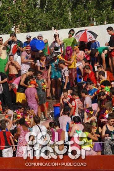 14-08-06-fiestas-de-estella-calle-mayor-comunicacion-y-publicidad-019