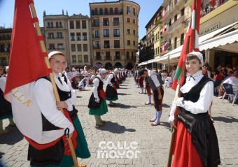 15-08-02-fiestas-de-estella-calle-mayor-comunicacion-y-publicidad- (159)