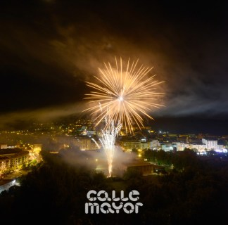 15-08-02-fiestas-de-estella-calle-mayor-comunicacion-y-publicidad- (64)