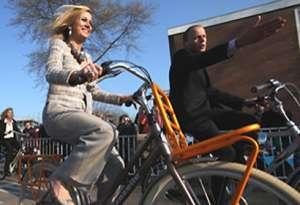 Prinses Maxima op de fiets