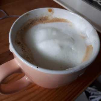 Even een bakkie drinken met lekker opgeschuimde melk van Rob Kleinlangevelsloo