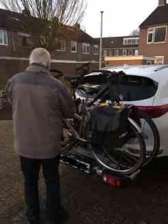 Voor wie was die tweede fiets die m'n pa installeerde op de vierwieler? — bij Fietsen voor m'n eten.