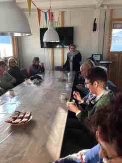 Sylvia Simons-vd Berg vertelt het verhaal over peulvruchten onder het genot van haar snert. — bij Santé Holland.