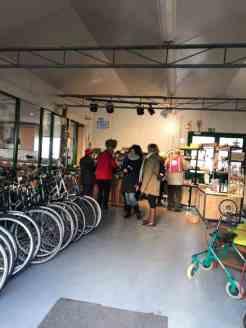 Nog even het winkeltje en de fietsenmakerij van Stichting Zorgkwekerij Mil Maasdijk bewonderen — bij Stichting Zorgkwekerij Mil Maasdijk.