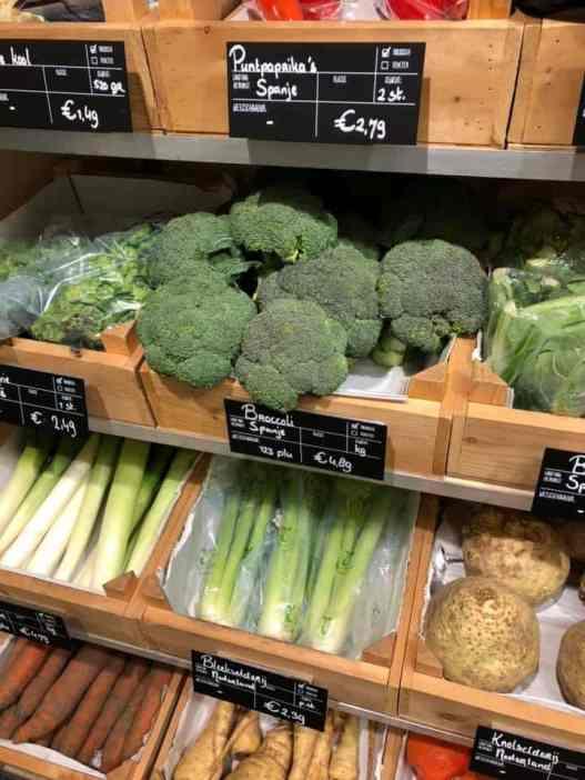 broccoli halen voor de ovenschotel bij Biefit Gezondheidswinkel — bij Biefit Gezondheidswinkel.