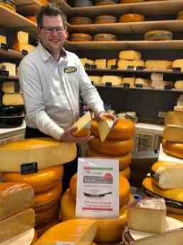 En een deel van de opbrengst van deze kaas gaat naar Team Westland bij Kaasmeester Richard — bij Kaasmeester Richard.