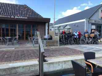 Groepsfoto voor vertrek vanaf De Jachthaven Kwintsheul — bij De Jachthaven Kwintsheul.