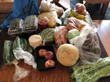 Mijn flinke groenten- en fruitbuit van dinsdagochtend — bij Fietsen voor m'n eten.
