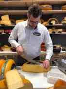 Nog een stukje Weydeland kaas mee voor m'n lief bij Kaasmeester Richard — bij Kaasmeester Richard.