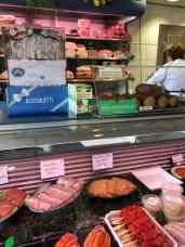 bij Slagerij van Strien langs voor vleeswaren en Maasdijkertjes — bij Slagerij van Strien.
