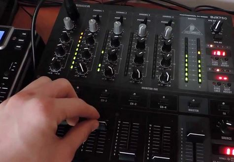 Behringer DJX750 Review