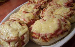 Read more about the article Εύκολη σπιτική πίτσα με πίτα για σουβλάκι