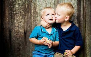 Πώς θα μάθετε το παιδί να επανορθώνει για τα λάθη του