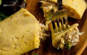 Ομελέτα με τόνο και τυρί