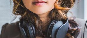 Γιατί μερικά τραγούδια κολλάνε στο μυαλό μας;