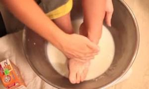 Περιποίηση ποδιών για κάλους και σκασμένες φτέρνες – Δείτε τι μείγμα φτιάχνει! [vid]