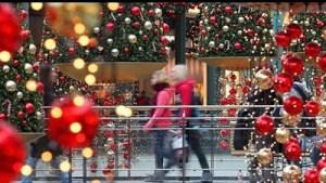 Ανοιχτά τα καταστήματα σήμερα και αύριο- Το εορταστικό ωράριο
