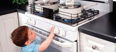 Πώς θα διασφαλίσετε την ασφάλεια του παιδιού στην κουζίνα