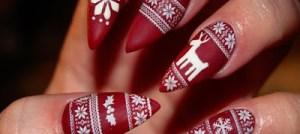 Christmas nails: Το αγαπημένο κόκκινο των Χριστουγέννων