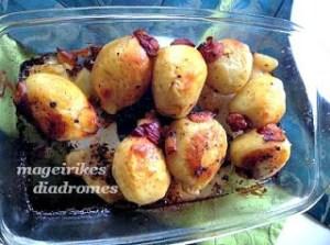 Πατάτες γεμιστές με φασκόμηλο και μπέικον