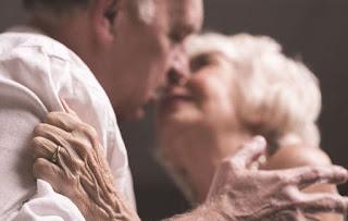 Σεξ στα 80; Ποιο είναι το μυστικό των σεξουαλικά δραστήριων ζευγαριών